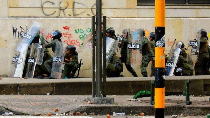 proteste-polizia
