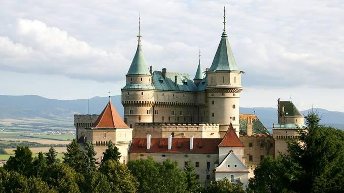 turismo-castillo-bojnice_pixabay